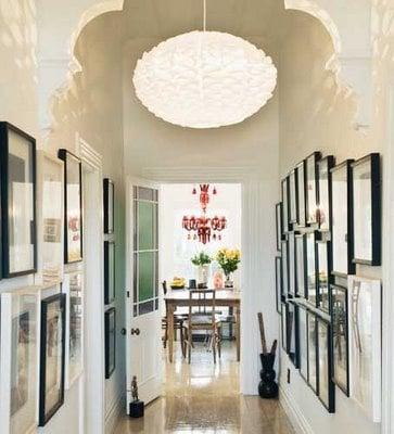 15 ways to decorate a hallway remodelaholic - Decoracion de pasillos estrechos ...