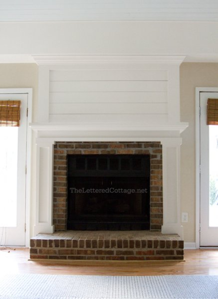 Remodelaholic 25 best diy fireplace makeovers brick fireplace makeover solutioingenieria Image collections