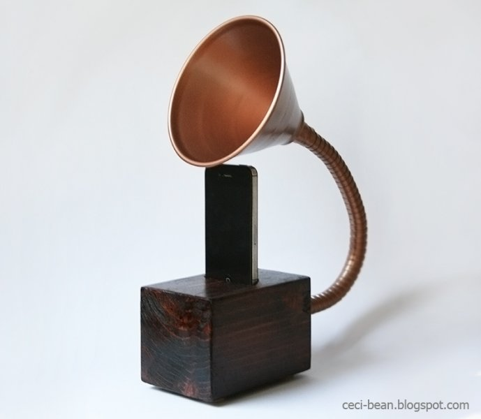 Gramophone iPhone Speaker