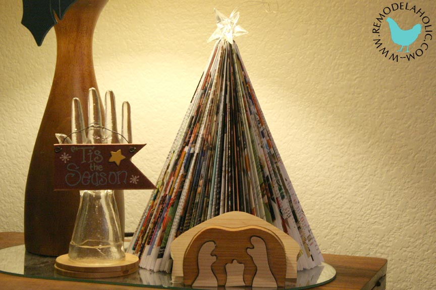 Folded Magazine Tree a great way to make a paper holiday decoration at Remodelaholic.com