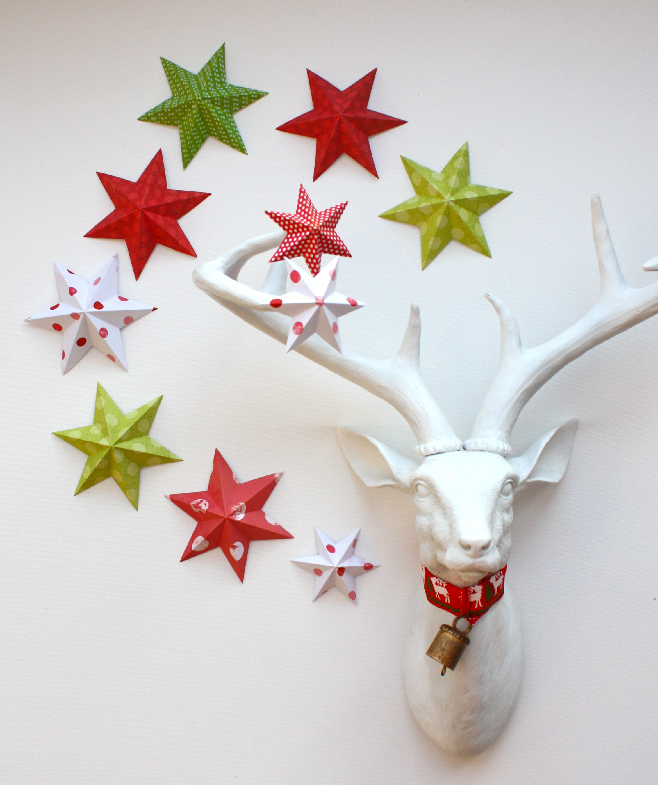 easy folded paper 5 and 6 point stars and snowflakes - Handmade Paper Christmas Decorations