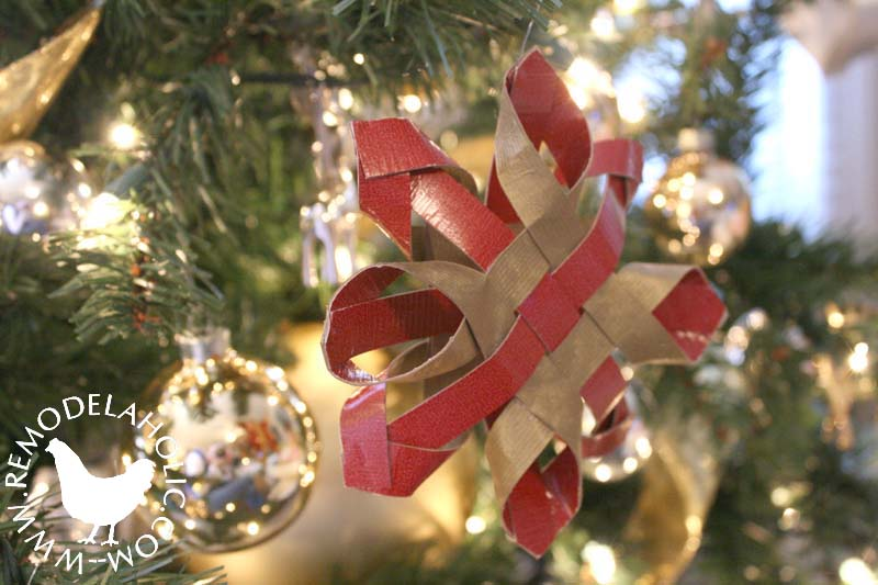 Woven Paper Star ornament. An easy paper Christmas decoration at Remodelaholic.com