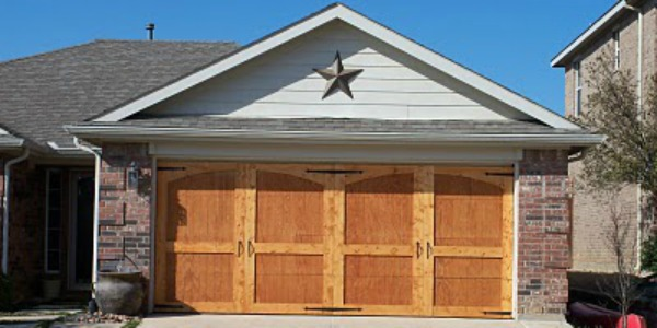 Remodelaholic ugly garage door be gone carriage door tutorial solutioingenieria Gallery