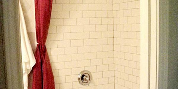 Remodelaholic Thrifty Little Bathroom Renovation - Thrifty bathroom remodel