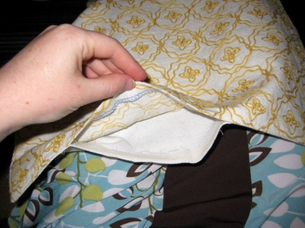 Easy Pillow From A Placemat, Welcome To Heardmount On Remodelaholic