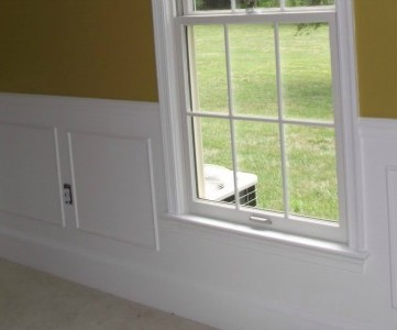 simple picture frame wainscoting feature