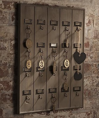 Remodelaholic Diy Wall Mounted Wooden Hotel Key Rack