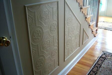 Remodelaholic Faux Carved Wainscoting Using Paintable