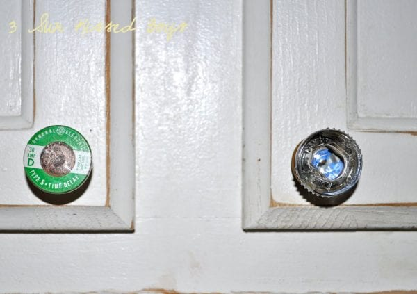 10 Repurposed old fuses make great drawer pulls in the kitchen by 3 Sunkissed Boys featured on @Remodelaholic