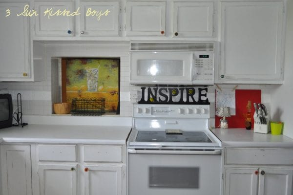 9 Color pop for all white kitchen, DIY for cheap by 3 Sunkissed Boys featured on @Remodelaholic