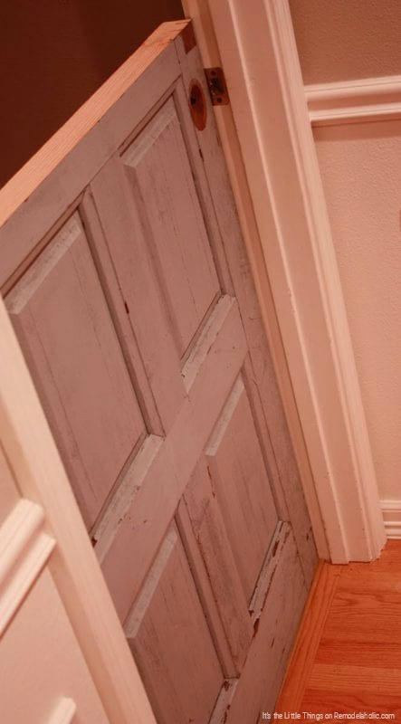 Transform An Old Beat Up Door Into A Dutch Door By Its The Little Things Featured On @Remodelaholic 443x800