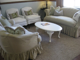 Using Custom Made Slipcovers to Unify Your Room