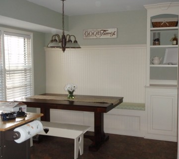 Kitchen Renovation With Built-in Banquette Seating