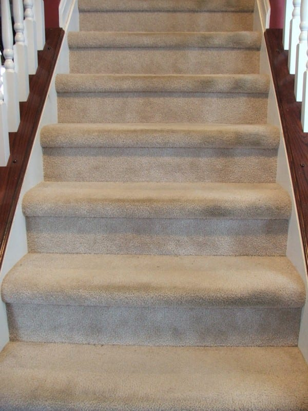 40 Get Rid Of Those Ugly Carpeted Stairs With This Tutorial, By Cleverly Inspired, Featured On @Remodelaholic