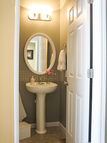 Modern Bathroom Budget Paint Idea-2