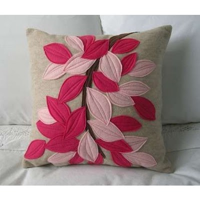 beautiful-appiqued-pillow-with-leaf-design