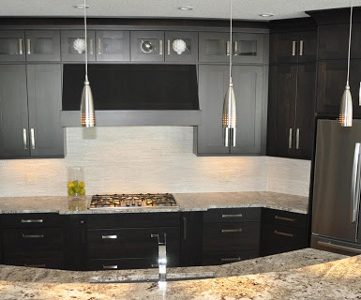 Fabulous Kitchen Design; with Black Cabinets