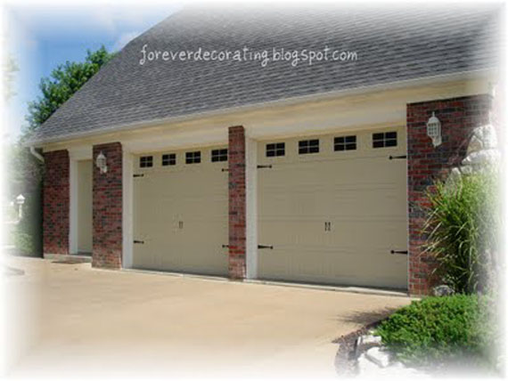 faux-painted-carriage-garage-doors-tutorial (1)