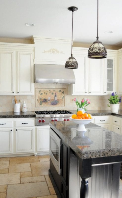 1 Complete kitchen makeover with amazing results, by My Uncommon Slice of Suburbia featured on @Remodelaholic