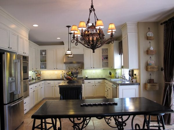 25 Beautiful kitchen remodel DIY, by My Uncommon Slice of Suburbia featured on @Remodelaholic