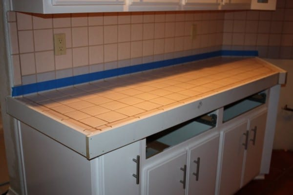 6 DIY Quick Concrete Countertops, No Curing!, By Design Stocker Featured On @Remodelaholic
