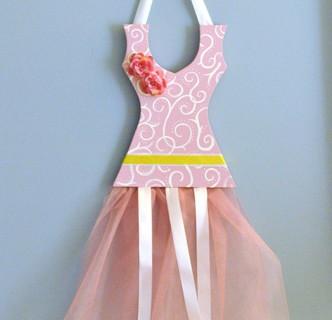 ballerina-hair-clip-dress tutorial-hair-bow-storage-tutorial