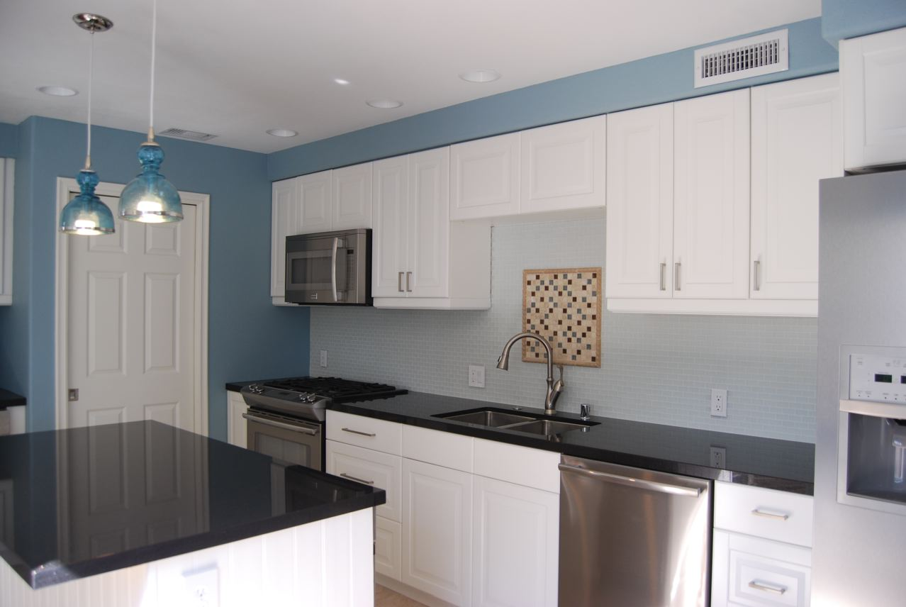 Remodelaholic bright and blue and beautiful kitchen remodel for Beautiful kitchen remodels