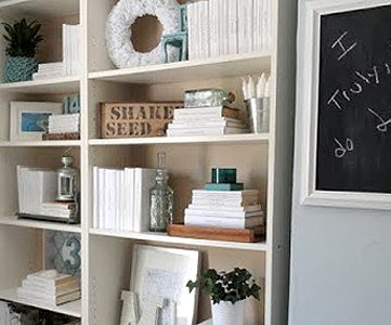 Staging A Bookcase Beautifully