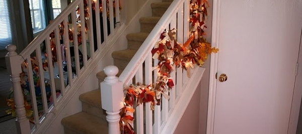 lighted-fall-garland-tutorial-ragamuffin-garland fall decor ideas remodelaholic.com (600x267)