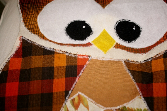 Remodelaholic | Fun Fall Sewing Project! Owl Pillow