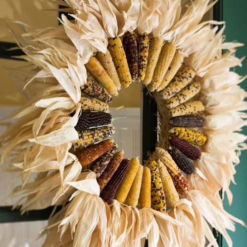 corn husk wreath remodelaholic.com