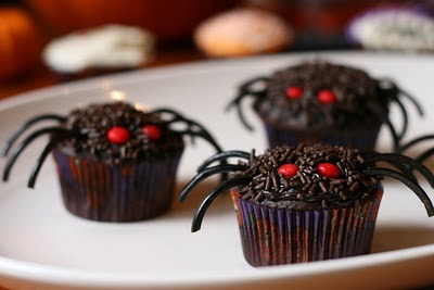 image source - Halloween Decorations Cupcakes