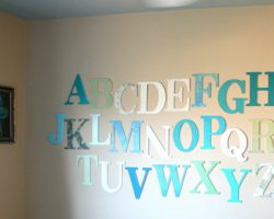 alphabet-wall-kids-room9