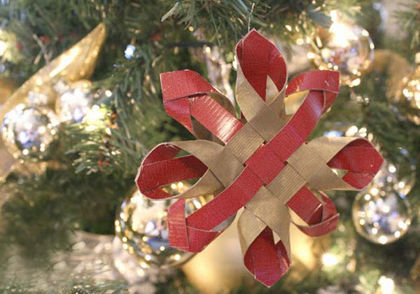 12 Days of Paper Christmas Decorations & Remodelaholic? ~ 201926_Christmas Decoration Ideas With Construction Paper