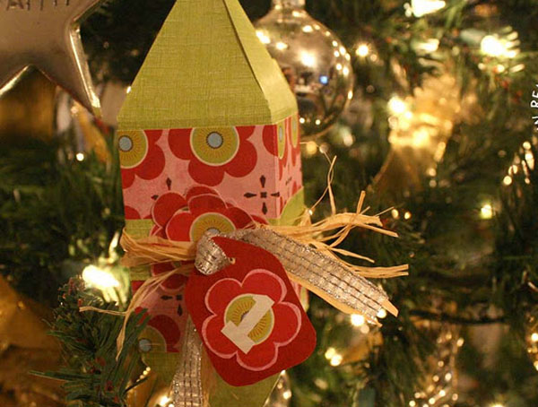 12 Days of Paper Christmas Decorations & Remodelaholic?s  ~ 201926_Christmas Decoration Ideas With Construction Paper