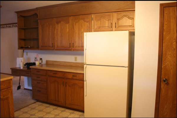 I m dreaming of white kitchen cabinets diy for Painting wood cabinets white before and after