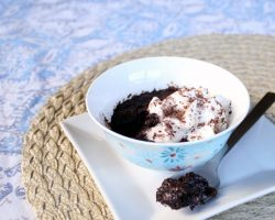 Individual-Chocolate-Microwave-Torte-Recipe (8)