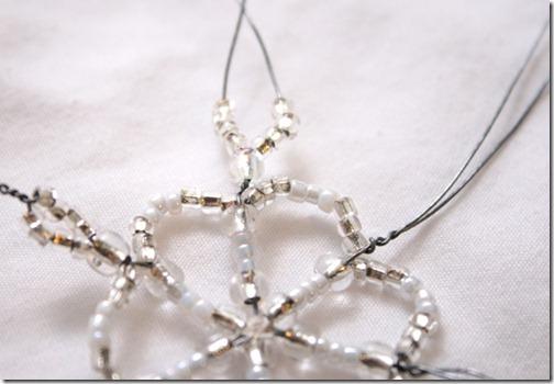 Simple-beaded-snowflake-ornament-tutorial (11)