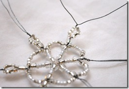 Simple-beaded-snowflake-ornament-tutorial (12)
