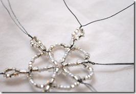Simple-beaded-snowflake-ornament-tutorial (12)