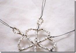 Simple-beaded-snowflake-ornament-tutorial (13)