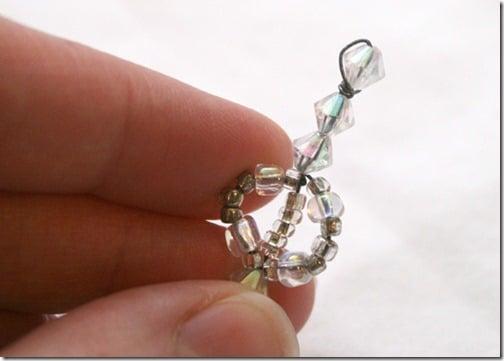 Simple-beaded-snowflake-ornament-tutorial (15)