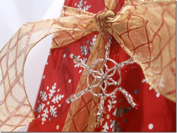 Simple-beaded-snowflake-ornament-tutorial (24)