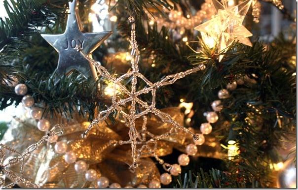 Simple-beaded-snowflake-ornament-tutorial (26)