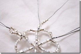 Simple-beaded-snowflake-ornament-tutorial (9)