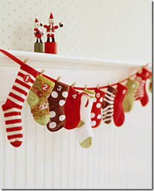 infant-sock0advent-calendar-Christmas