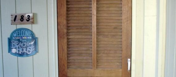 remodelaholic-remodeling-beach-condo-house-renovation-new-york-1 (570x250)
