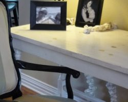 remodelaholic-remodeling-upholstery-reupholstering-chairs-black-stripes (570x252)