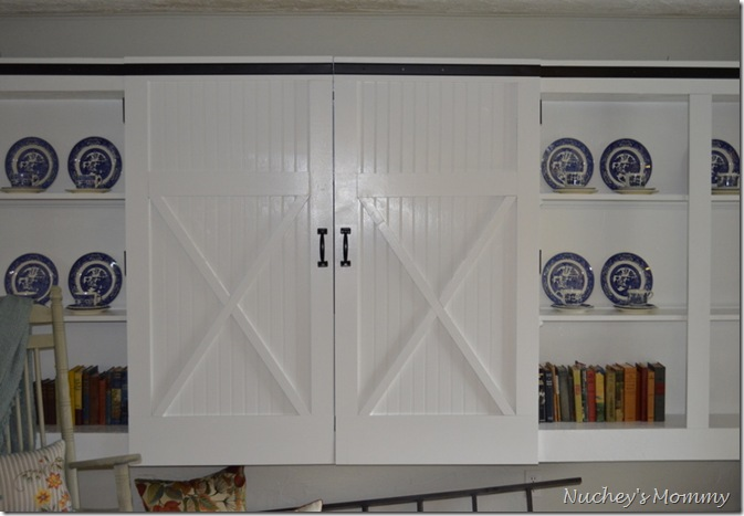 remodelaholic cheap easy diy barn door. Black Bedroom Furniture Sets. Home Design Ideas