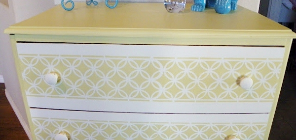 remodelaholic-remodeling-dresser-saved-by-suzy-yellow (600x285)